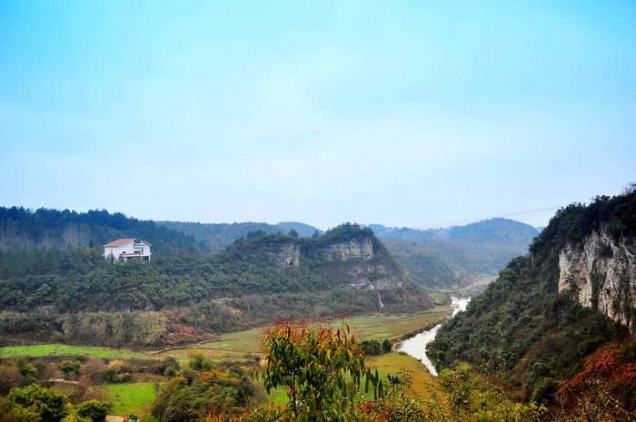 Живописный район бассейна Тяньхэ